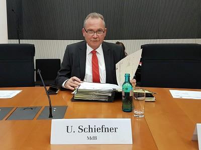 Schiefner setzt Arbeit für Verkehr und Petitionen fort